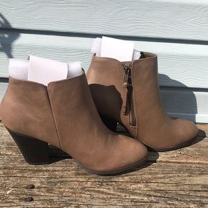 Brand new never worn ankle boots size 9.